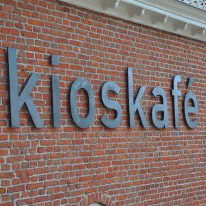Geveltekst brons Kioskafé
