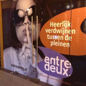 Raamdecoratie tijdelijk Entredeux Maastricht