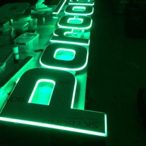 Lichtreclame Porcon LED verlicht