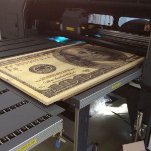 Print op hout dollarbiljet