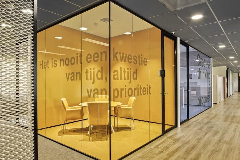 raamdecoratie slogan