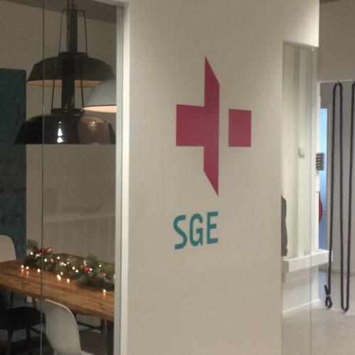 SGE signing Glance & Vision